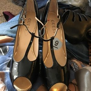 Guess black and gold open toe heels