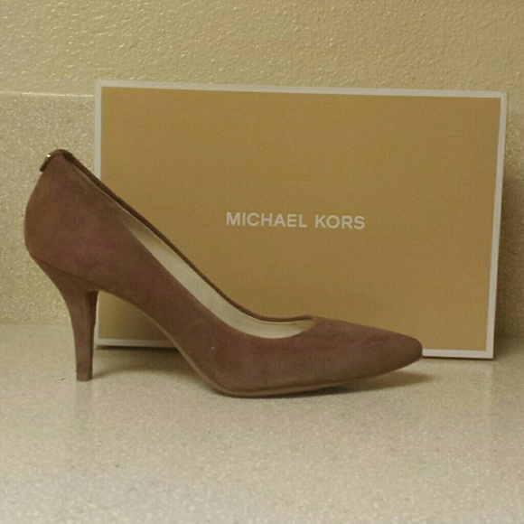 Buy black michael kors pumps > OFF53% Discounted