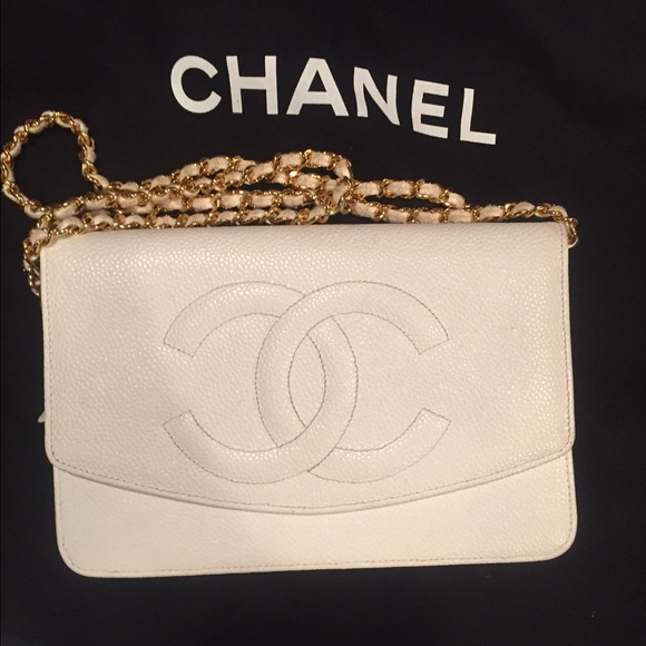 CHANEL Bags   White Bag In Mint Condition   Poshmark 2f54cf167b