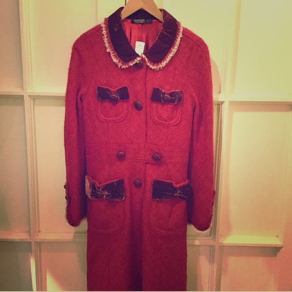 Marc Jacobs Jackets & Blazers - Red Marc Jacobs coat with velvet detail
