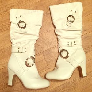 Shoes - Sexy white boots