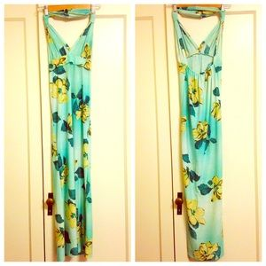 Dresses & Skirts - NEW XS mint green floral print halter maxi dress