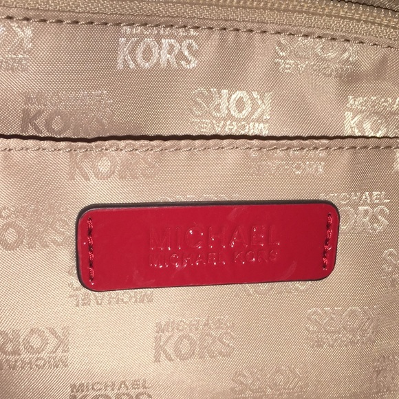 Michael Kors Bags - Micheal Kors❗️REDUCED❗️