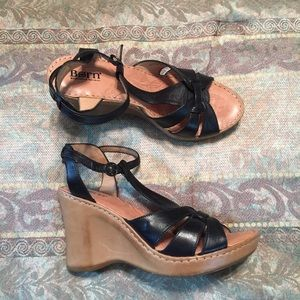 Born Black Leather Wedge Sandal Sz 9