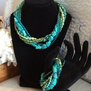 ❤️ 2X HP❤️Gorgeous Turquoise And Bead Jewelry Set.