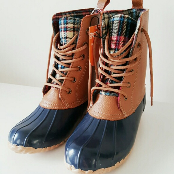 b9370d38dd8 (NWT) Sporto leather duck boots NWT
