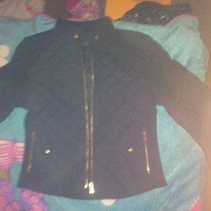 C'ESTTOI Jackets & Blazers - A light coat really cute black and gold brand new.
