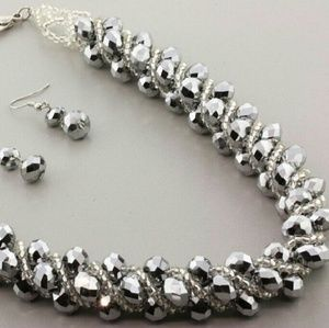 Jewelry - Silver Sparkle Beaded Necklace Set