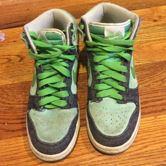 686181406c51cb Nike Shoes - Green