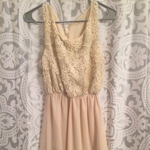 Sage dress size M creme color