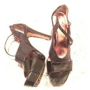 Black patent leather strappy platform heels size 8