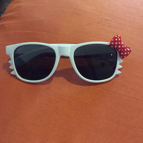 074c3205a Hello Kitty Accessories - Hello Kitty Sunnies 😍😎