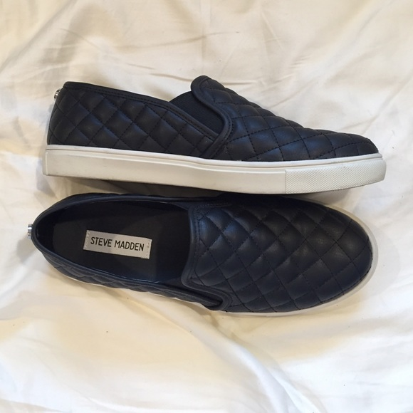 5f7657774ca Steve Madden Quilted Slip-Ons • Like New. M 5679a91f5a49d030440045c7