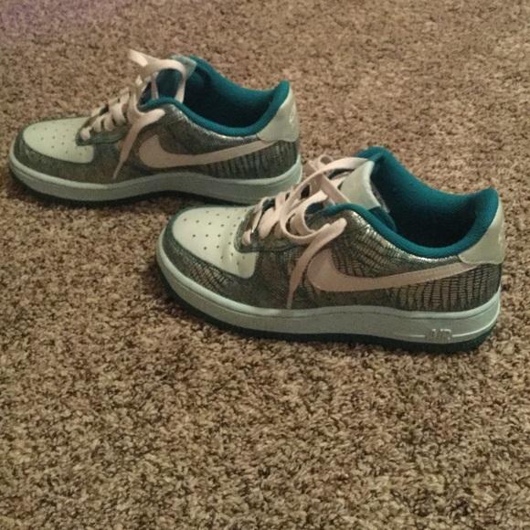 ... rare Nike AF1 🎉🎉SALE women s. M 5679b95d6a58300ec9005781 36a5be11c