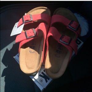d7a15230852 Birkenstock Shoes - ONE HOUR SALE  60 OFF 💥NWT Tea Rose Birkenstocks