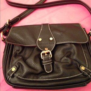ISAAC MIZRAHI black leather top stitched crossbody