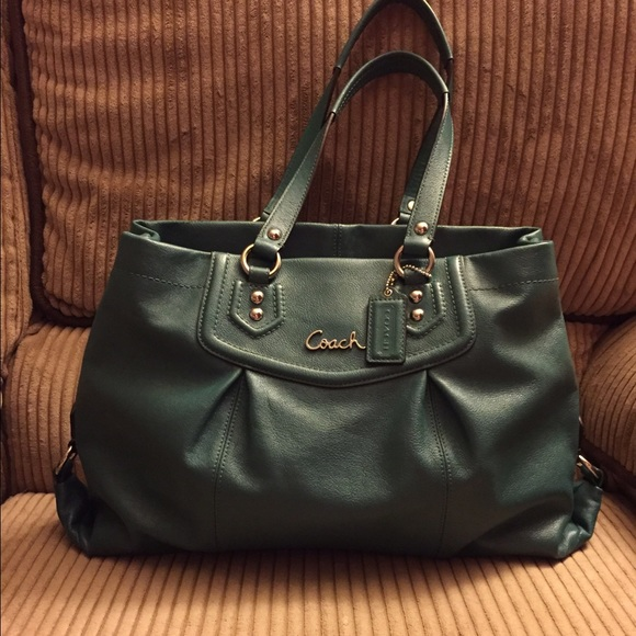 f1f92da390 Coach Handbags - Large dark green Coach purse