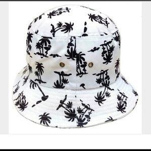 Black palm tree bucket hat