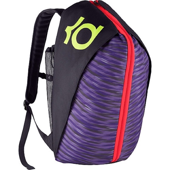 the best attitude deedb b7a3e Nike Men s KD Max Air VIII Basketball Backpack. M 567a0399d6b4a15081015c24