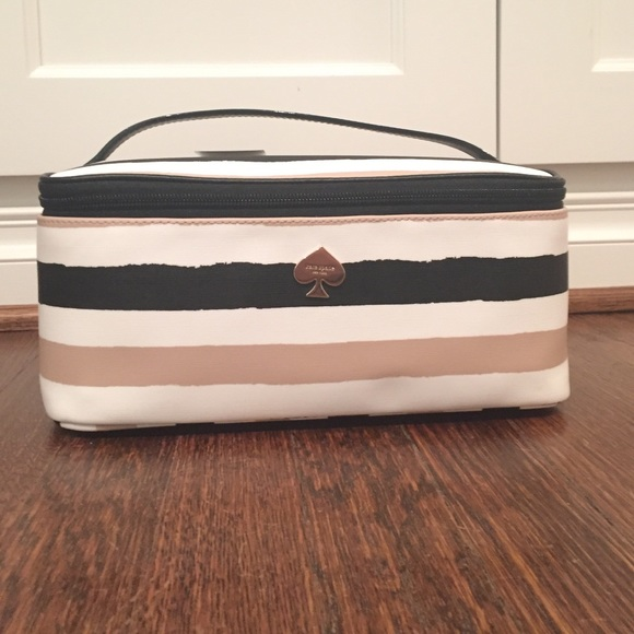 huge selection of 762f4 f2d39 Kate Spade Large Cosmetic Bag NWT