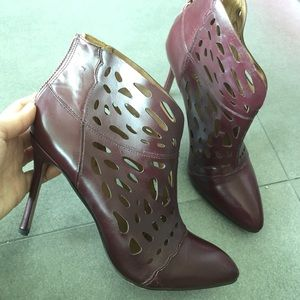 Nine West Shoes - Nine West burgundy booties