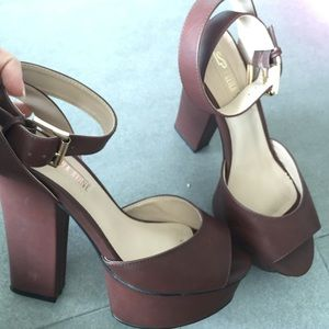 Leila rose Shoes - Brown platforms