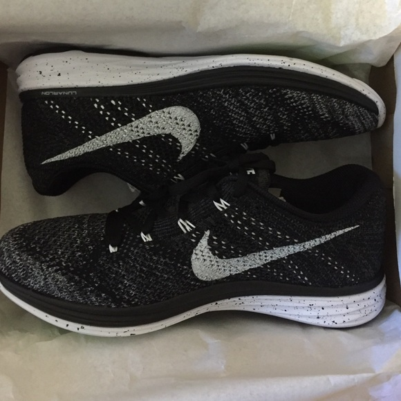 sports shoes 4961b 82446 Select Size to Continue. M 567b050a99086af661004f1c