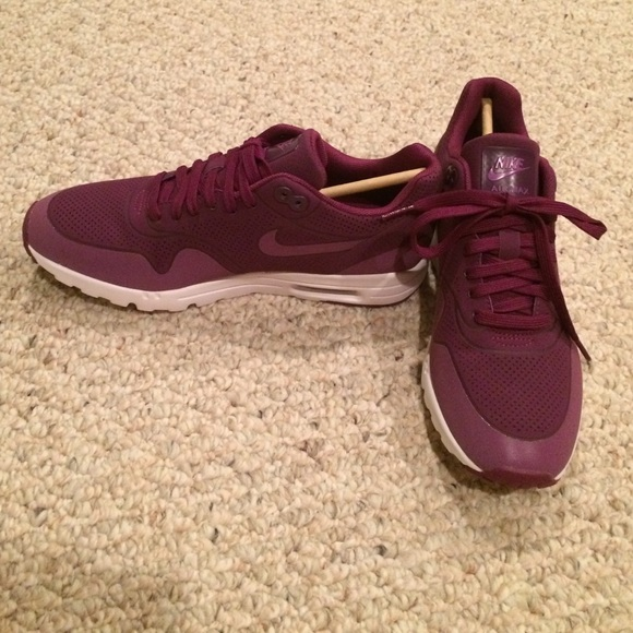 Nike Shoes | Nike Air Max Ladies