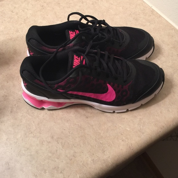 44c9a7958b43 Womens Nike Reax Run 10. M 567c0b4ab4188eac8d0095eb