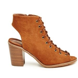 Breckelles Shoes - Lace-Up Booties 💕Total Trendsetter HP🌟3X HP🌟
