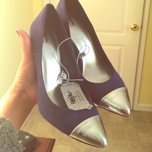 6d733003385e Target navy high heels with silver pointed toe