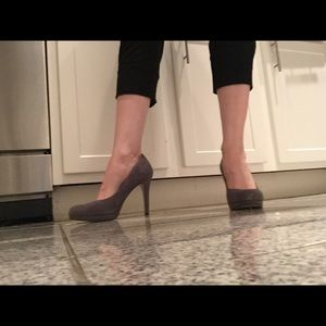 Suede Banana Republic platform pumps