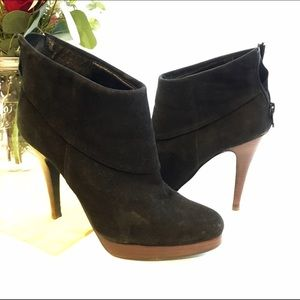 Steve Madden Trishia black suede ankle booties