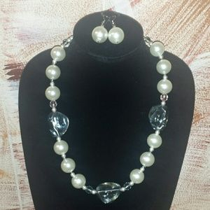 Jewelry - Large pearl necklace set