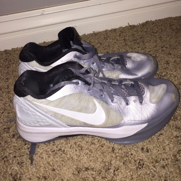 Nike Women's Volleyball shoes-size 8.5