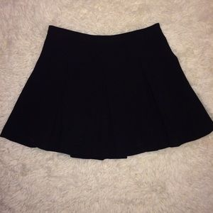 Forever 21 black pleated skirt