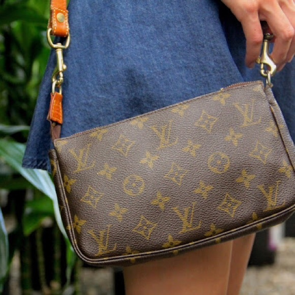3044ec5f8ef9 Louis Vuitton Handbags -  Louis Vuitton  Monogram Pochette Accessoires