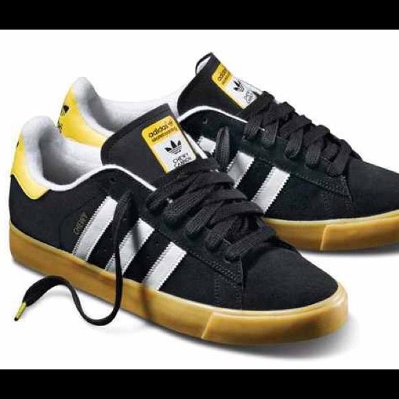 le adidas usanza chewy giallo nero pattinare w 9 poshmark