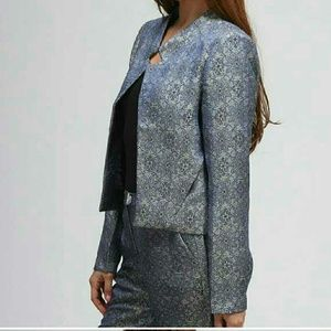 HP!  Beautiful brocade jacket from Moon Collection