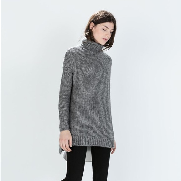 b294e09e818 Zara hi-lo tunic length turtleneck sweater. M 567d1df747da81a71b014ef4