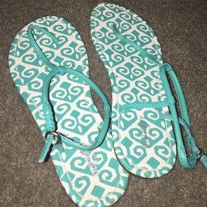 Flip-Flops/Sandals