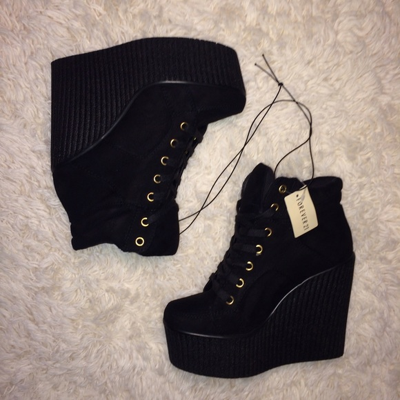 NWT Forever 21 sneaker wedges 8a7fbfd35