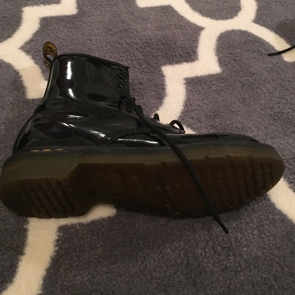 52 dr martens shoes black shiny doc martens from