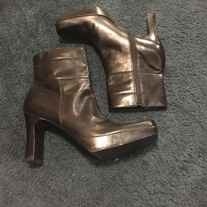 Nine West leather boot