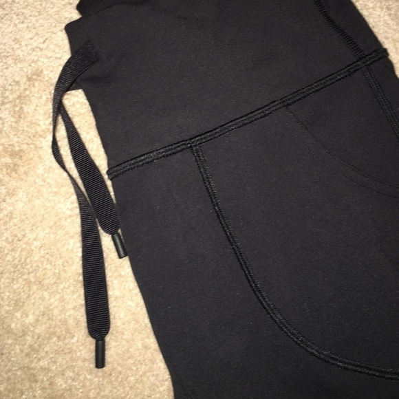 76 Off Lululemon Athletica Pants Black Size 8 Lululemon