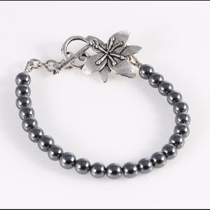 Hand made bracelet with hematite