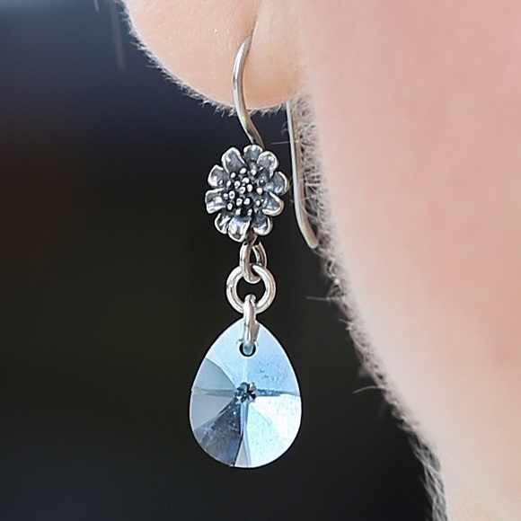 Jewelry - Swarovski crystal earrings in aquamarine