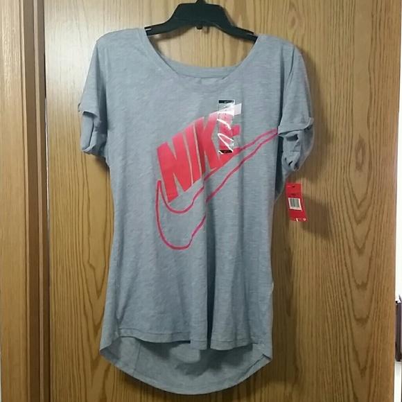 sito ufficiale vendita professionale forma elegante Nike Tops | Gray Loose Fit Tshirt | Poshmark