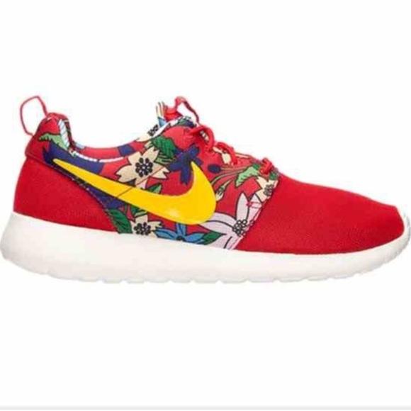 f48c6d259c37 Women s Nike Roshe Run Aloha Floral Red Brand New