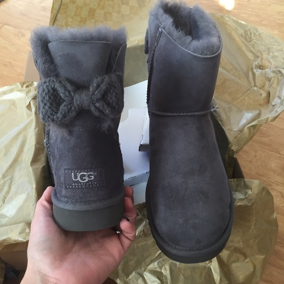 ugg australia women's mini bailey knit bow boot